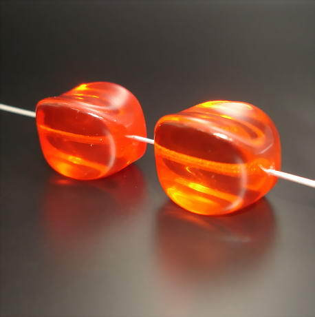 2 Glasperlen Nuggets Rot Orange transparent 18mm · pe457